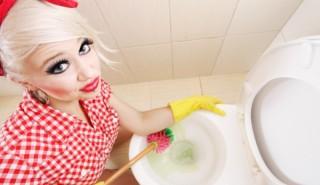 Как да изчистите тоалетната с кока-кола