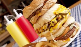 Гнусни факти, които ще ви откажат от бързата храна