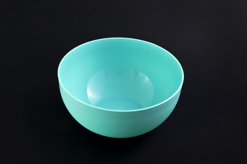 Снимка на Удобна малка пластмасова купа 0.5 литра