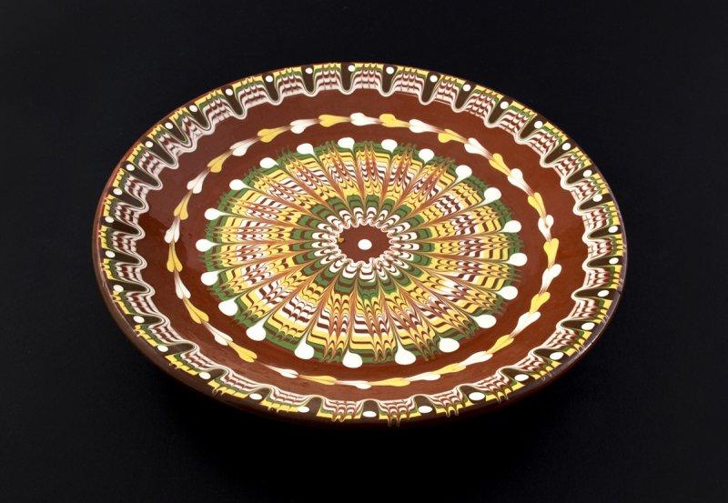 Снимка на Ръчно изработена керамична чиния ф30