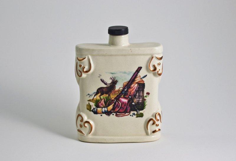 Снимка на Керамичен комплект за алкохол – бутилка и 3 чаши