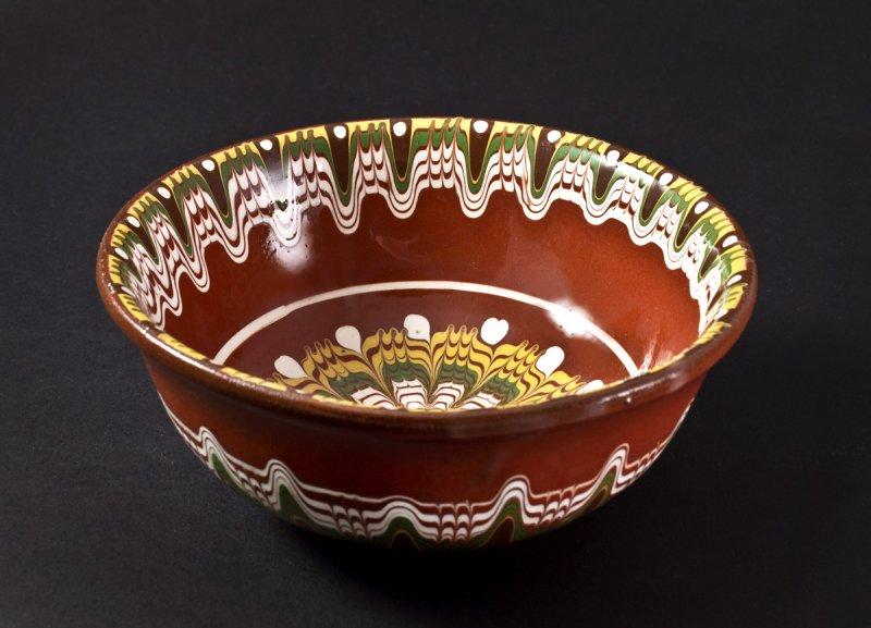 Снимка на Керамична купичка от троянска керамика - 15см
