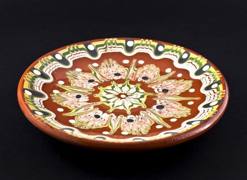 Снимка на Ръчно изработена керамична чиния 18 см