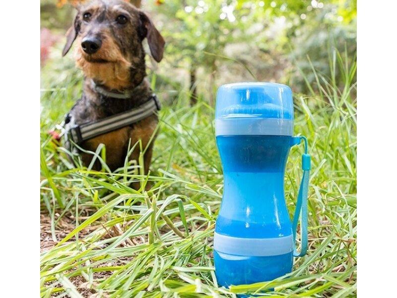 Снимка на Бутилка с резервоар за вода и храна за кучета
